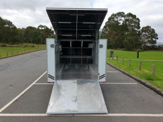 Stuarts 4m Enclosed Motorbike Trailer Build TRAILER PLANS www.trailerplans.com