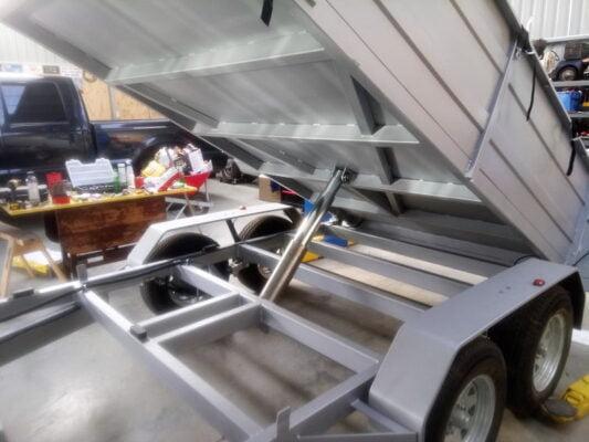 TRAILER PLANS - Georges Hydraulic Tipping Trailer Build - www.trailerplans.com